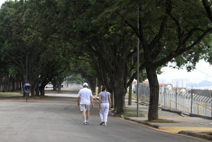 Parque perimetral tem pista para caminhada. Foto: José Cordeiro/ SPTuris.